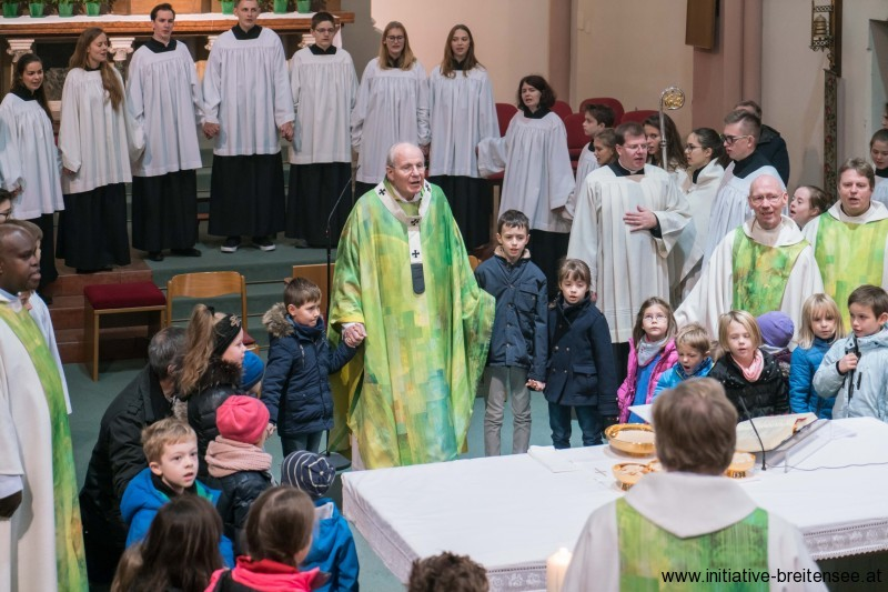 Kardinal Dr. Christoph Schönborn zelebrierte die Festmesse. (Foto: Amcha)