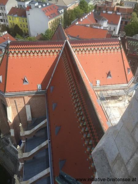 neue Haupt- und Querschiffdächer (Foto: Baier)