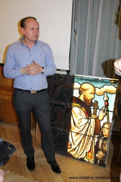 Christoph Sander von der Glasmalerei Peters GmbH., Paderborn, im Rahmen des Forum Breitensee (Foto: Naber)
