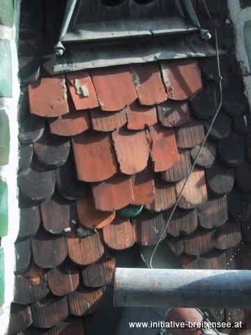 Schadhaftes Dach beim nördlichen Turmanbau (Foto: Baier)