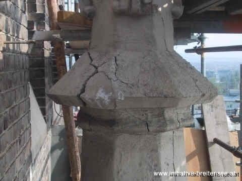 Schäden an Fialen (Foto: Baier)