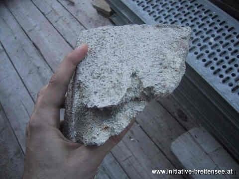 Absturzgefährdete Sandsteinteile (Foto: Baier)