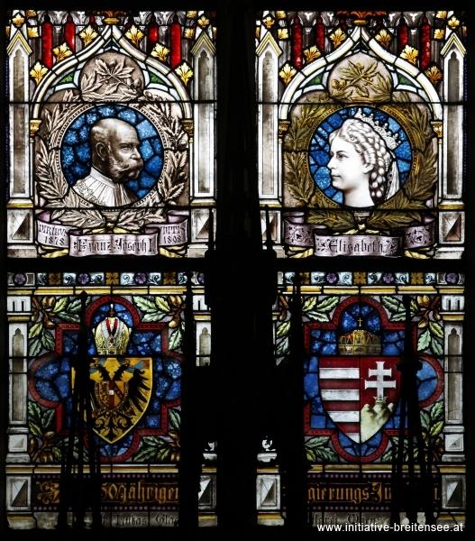 Aus dem Mittelfenster des südlichen Querschiffs: Porträts Kaiser Franz Josephs I. und der Kaiserin Elisabeth; Wappen Österreichs und Ungarns (Foto: Stöcher)